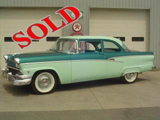 1956 FORD TWO DOOR POST CUSTOMLINE